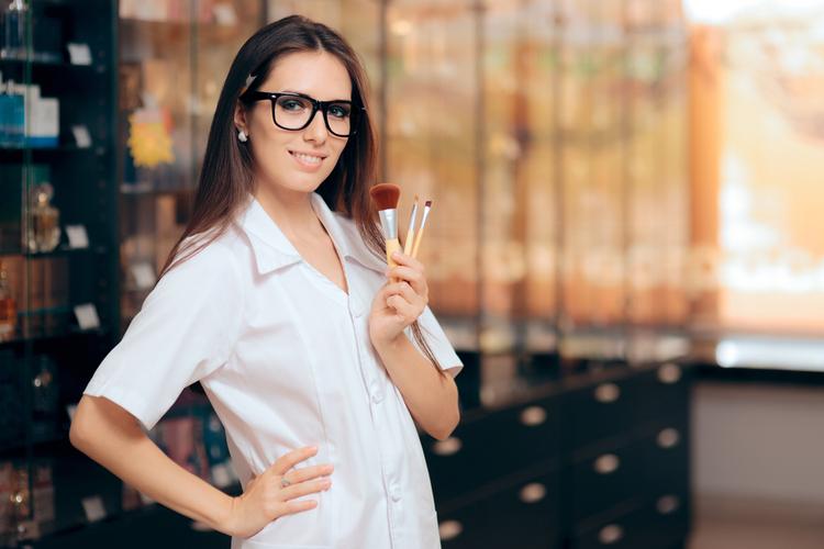 人気ブランドの美容部員になりたい!あなたに合ったコスメブランドは?