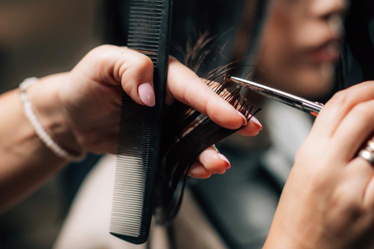 憧れの美容室で働くために!美容師の面接時のマナーや良く聞かれる質問をご紹介