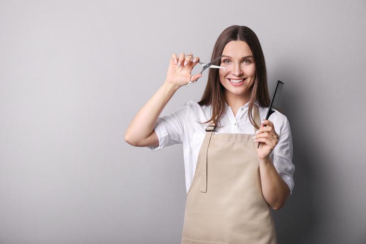 美容師は資格が必須!美容師免許の種類、持っていることのメリット・デメリットをご紹介