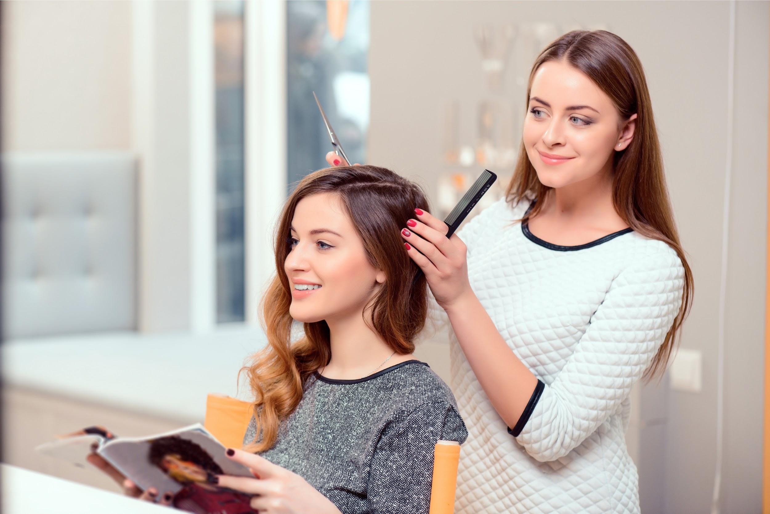 美容師はトーク力が大切?お客様とうまく会話をするコツ