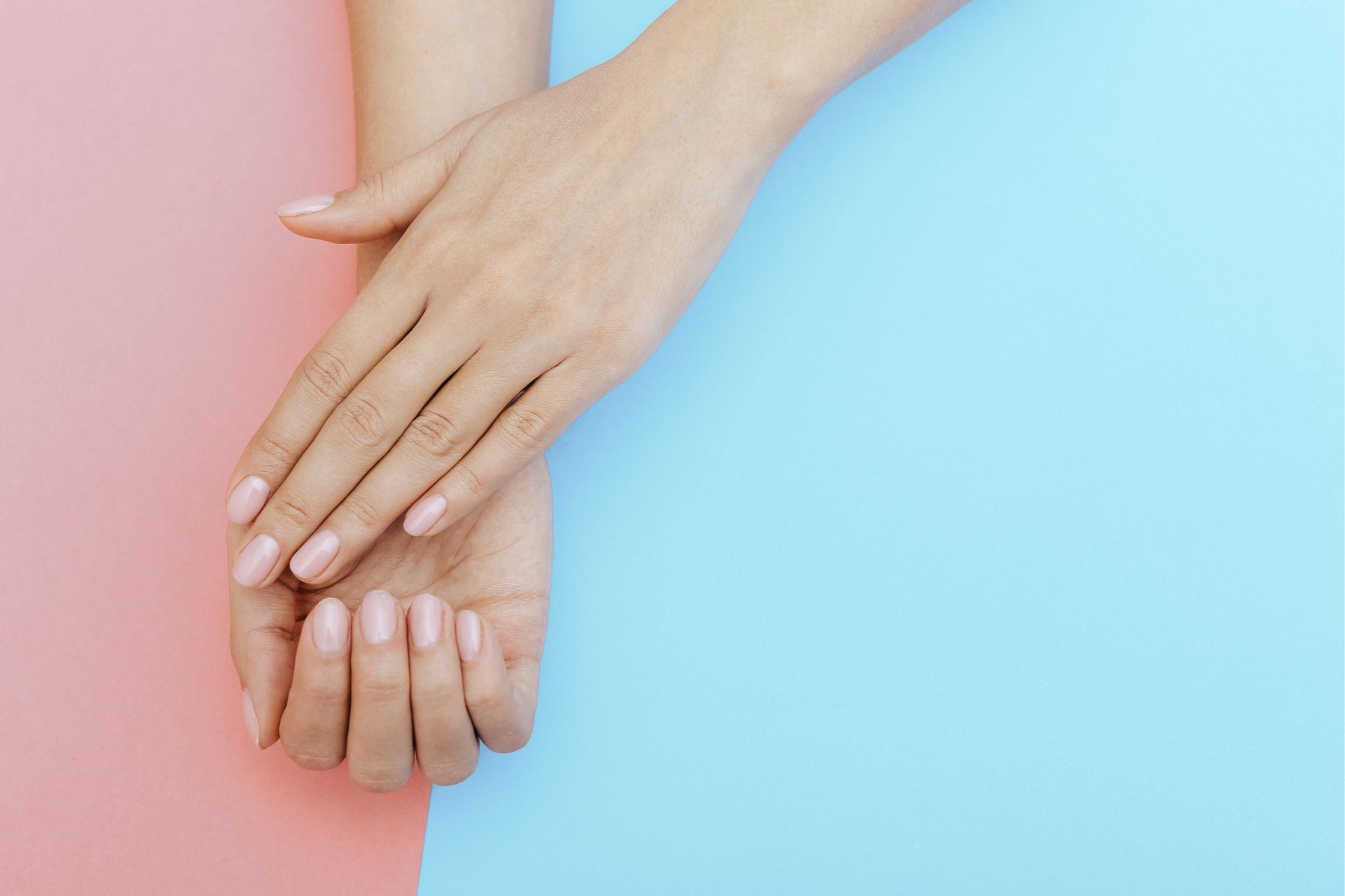 美容部員のネイルはどんなものが最適?手のケアについてもご紹介